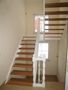 Halbgewendelte Treppe Mit Podest : treppen center oberschwaben eingestemmte wangentreppe mit podest ~ Markanthonyermac.com Haus und Dekorationen