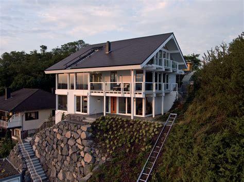 Modernes Haus Am Hang
