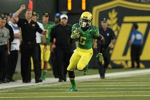 On To The Next One: Oregon RB De'Anthony Thomas Signs With ...
