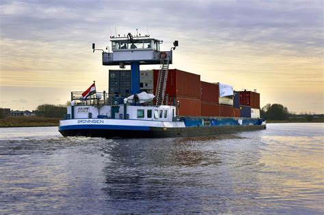 Scheepvaart Binnenvaart by Marine Traffic Binnenvaart Ais Nederland