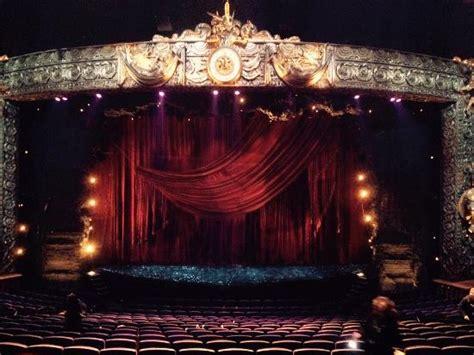 la salle du spectacle believe au luxor picture of criss believe las vegas tripadvisor