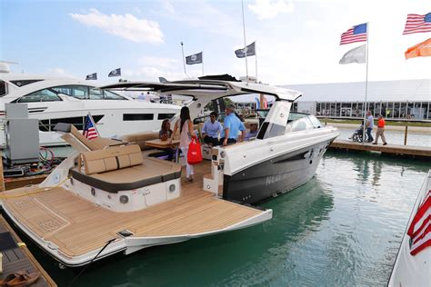 Miami Beach Boat Show 2017 by Hot New Boats And Gear At The 2017 Miami International