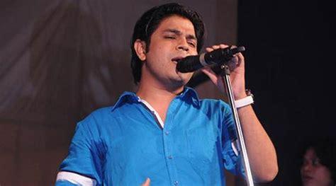 Ankit Tiwari Promotes 'yaara Silly Silly' At Navratri