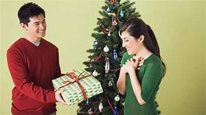 The etiquette of exchanging holiday gifts in the office ...