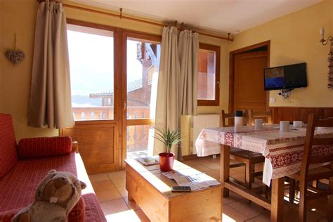 location val thorens 2 pi 232 ces 2 pi 232 ces cabine r 233 sidence chalet 6 les balcons
