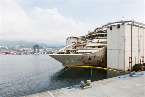 Schip Concordia by Eerie First Images Of Inside The Sunken Costa Concordia