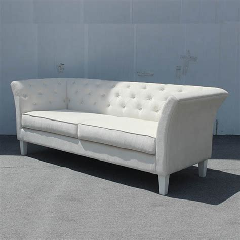 tufted velvet sofa canada 28 images velvet tufted sleeper sofa outfitters what is velvet