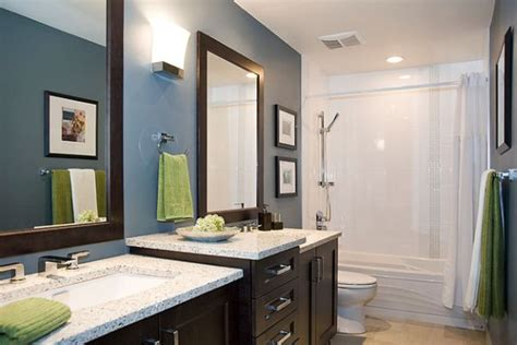you can change the accent color in this modern bathroom by
