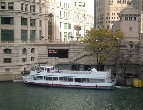 Which Wendella Boat Tour Is Best best chicago river boat tours