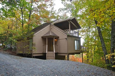 2 bedroom cabins two br cabin rentals in gatlinburg tn mtn laurel chalets