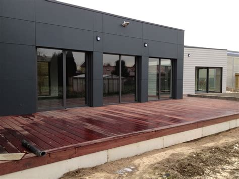 constructeur maison en bois pas cher montage maisons ossatures bois