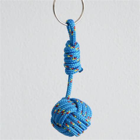 porte cl 233 s pomme de touline noeud marin en corde bleu id 233 e cadeau porte cl 233 s par alix et ju