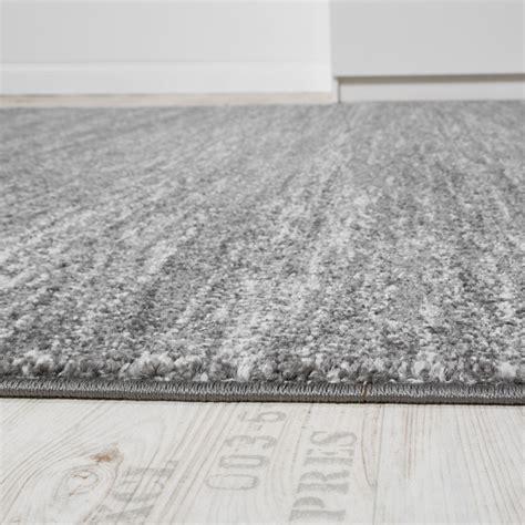 tapis moderne salon poils ras confortable prix avantageux chin 233 en gris cr 232 me tous les produits
