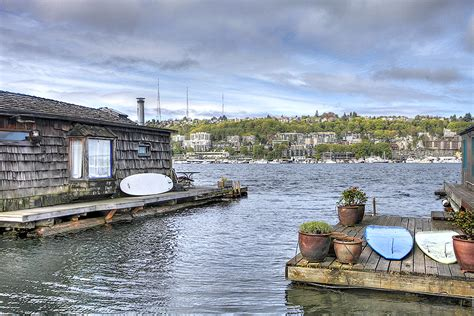 Romantic Houseboat Rental Seattle Washington by 1000 Images About Awesome Floating Homes On Pinterest