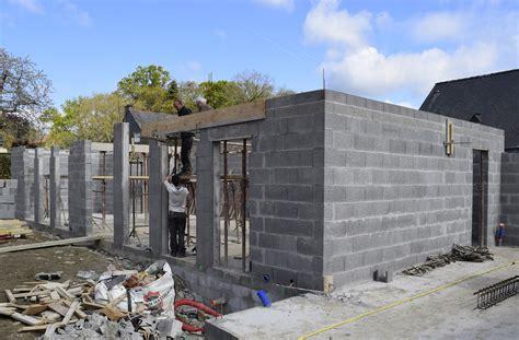 construction d une maison 224 gr 233 goire les travaux de gros oeuvre sont en cours baat