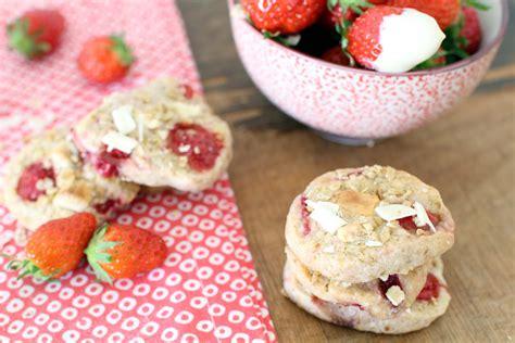 cookies aux flocons d avoine fraises des bois et chocolat blanc facile et pas cher recette