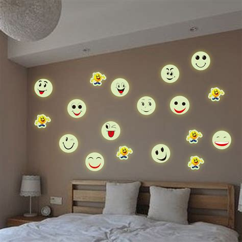 21 30cm free shipping wholesale vinyl pvc stencils wall stickers emoji stickers for home