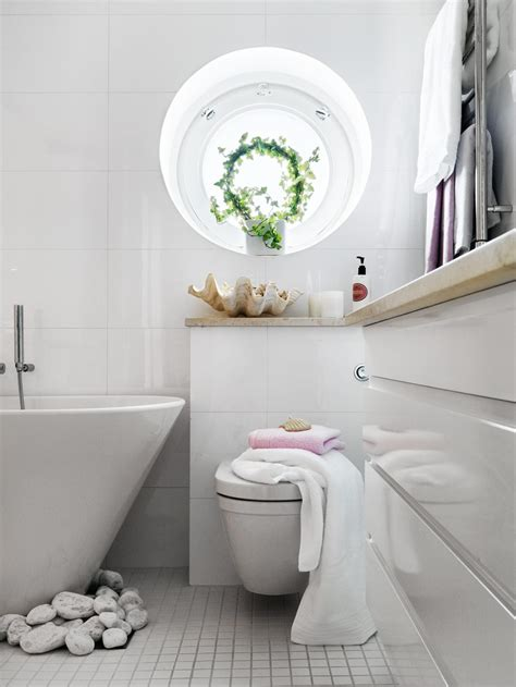 Small Bathrooms Decor 2017  Grasscloth Wallpaper