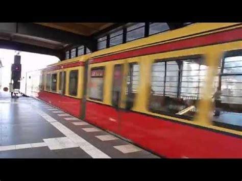 Züge Am Bahnhof Berlin Zoologischer Garten (sbahn Db