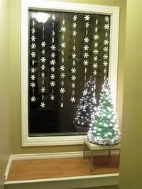 window decorating ideas Christmas Window Decoration Ideas | HomesFeed