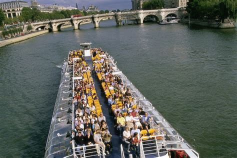 Boat Tour Paris Seine by Best Boat Tours Of Paris Cruises On The Seine River