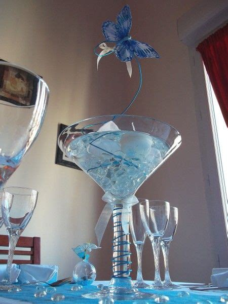 papillons mariage and vase on