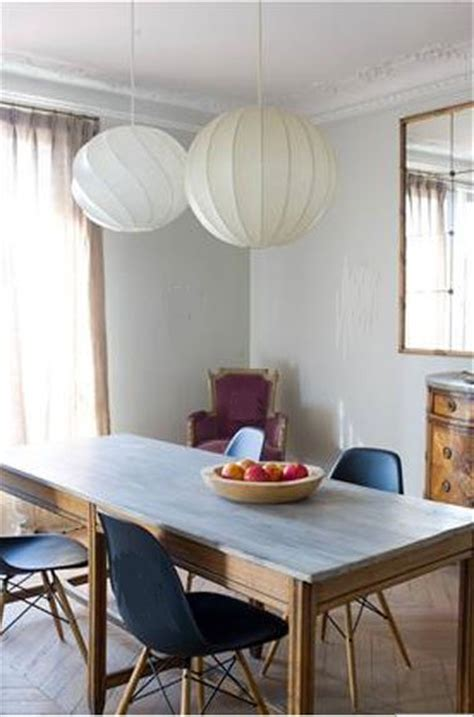 peinture salle a manger couleur gris chaise bleu