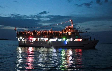 Boat Parties Near Me by Its Rocking Time At Boat Parties Vagabond Images