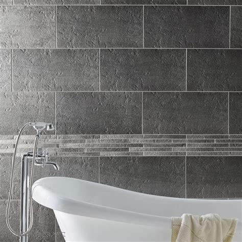 indogate salle de bain blanche et grise