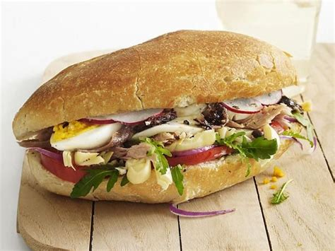 1000 images about pan bagnat on olives tomato mozzarella and picnics