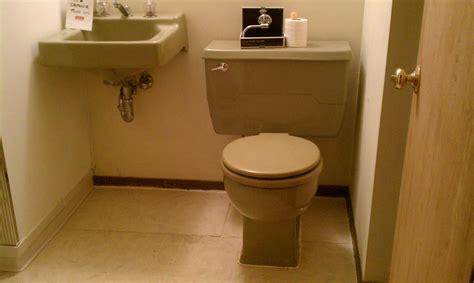 bathroom money