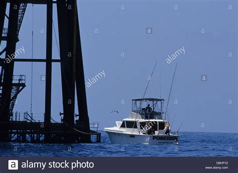 Offshore Fishing Boats Texas by Texas Oil Rig Ocean Stock Photos Texas Oil Rig Ocean