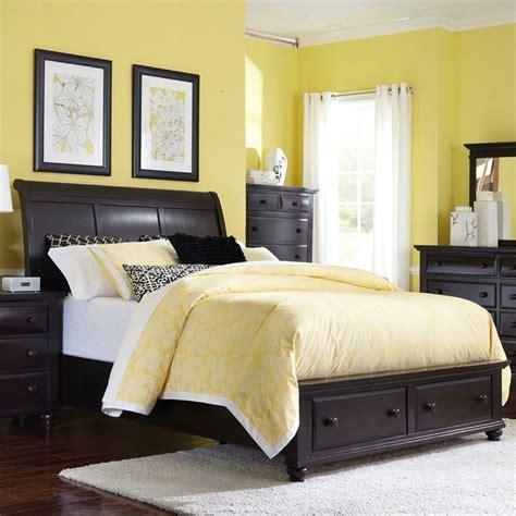 broyhill farnsworth sleigh bed w storage footboard in inky black 4856 sleighstoragebed