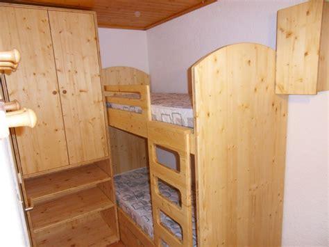 lit superpos 233 avec armoire et coffre sur mesure vercors literie