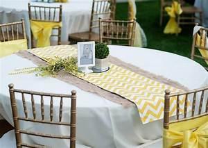 Runder Weißer Tisch : tisch decken mit sackleinen freshouse ~ Markanthonyermac.com Haus und Dekorationen