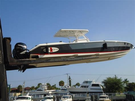 Cigarette Boat Center Console For Sale by 2011 Used Cigarette Center Console 39 Top Fish Open