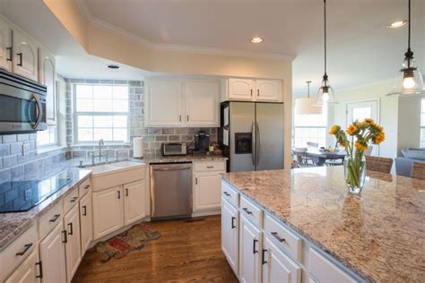 Painting Kitchen Cabinets White Home Hardware Design Centre Wiarton Designer Pro Amazon For 450 Sq Ft House Designs Floor Plans Nz 3d Software Mac Reviews 2nd Gold Cracked Lighting Products