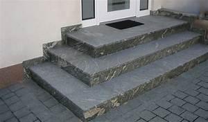 Treppe Hauseingang Bilder : galerie mit ausgef hrten treppen aus verschiedenen natursteinen wie granit und kalkstein ~ Markanthonyermac.com Haus und Dekorationen