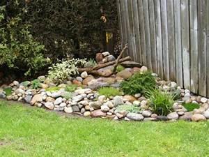 Gestaltung Kleiner Steingarten : 53 erstaunliche bilder von gartengestaltung mit steinen ~ Markanthonyermac.com Haus und Dekorationen