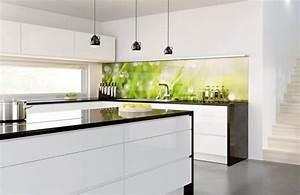 Glasrückwand Küche Beleuchtet : 19 tendenzi se ideen f r k che glasr ckwand esszimmer k che zenideen ~ Markanthonyermac.com Haus und Dekorationen