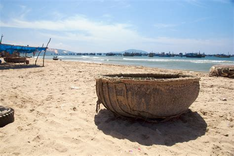 1 Man Fishing Boat by File Vietnamese One Man Fishing Boat Jpg Wikimedia Commons