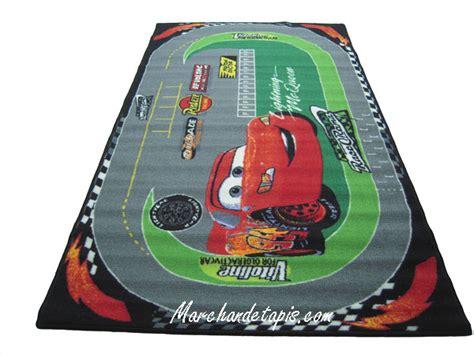 tapis enfant disney cars racing 100x170cm tapis enfant disney marchand de tapis