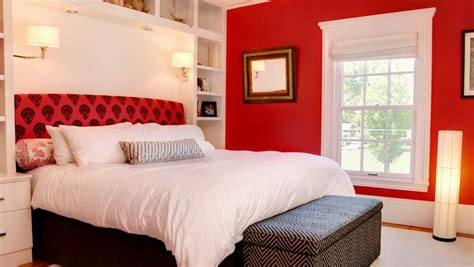 Red Bedrooms : How To Decorate A Bedroom With Red Walls