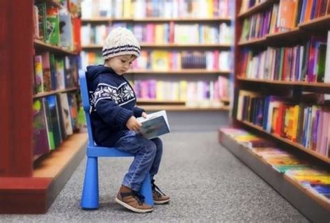7 Great Reasons To Take Your Kids To The Library
