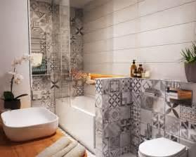carrelage petit carreau salle de bain maison design bahbe