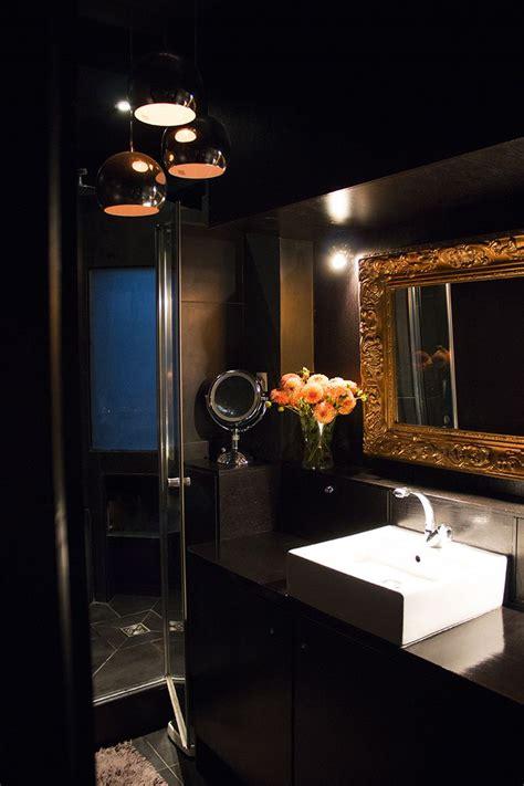 salle de bain chic con 231 ue comme une salle de bain d h 244 tel en noir or salle de bain
