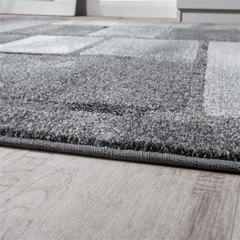 tapis 201 l 233 gant design effet de profondeur poils ras carreaux effet d optique gris chin 233 tous les