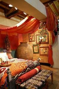 Orientalisches Schlafzimmer Dekoration : orientalische gardinen haengend decke bett einrichtung pinterest schlafzimmer ~ Markanthonyermac.com Haus und Dekorationen