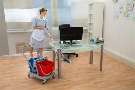 nettoyage de bureaux avec fourniture de mat 233 riel 224 p 233 rols 34470 quietude pro