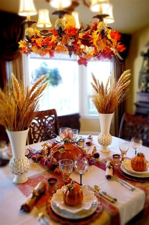 30 Cool Ways To Use Autumn Leaves For Fall Home Décor